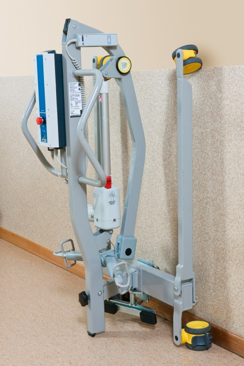 Handi-Move - Foldable mobile hoist A budget friendly solution for home care