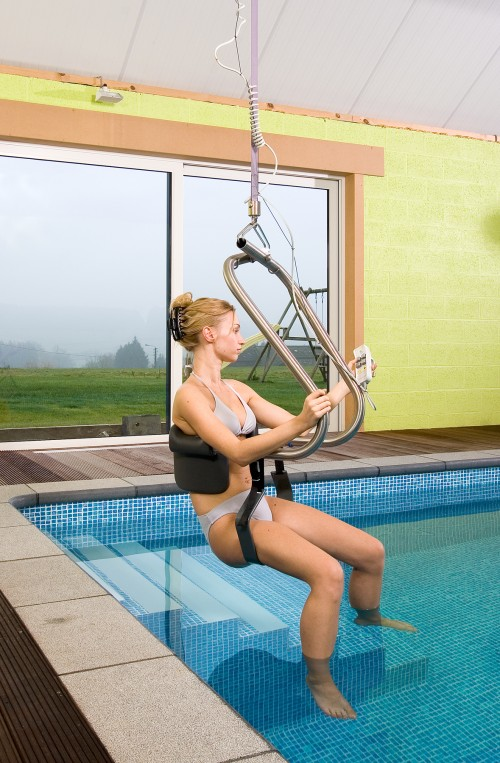 Into the pool with the Handi-Move Body Support®  and ceiling motor: independent use or with an attendant