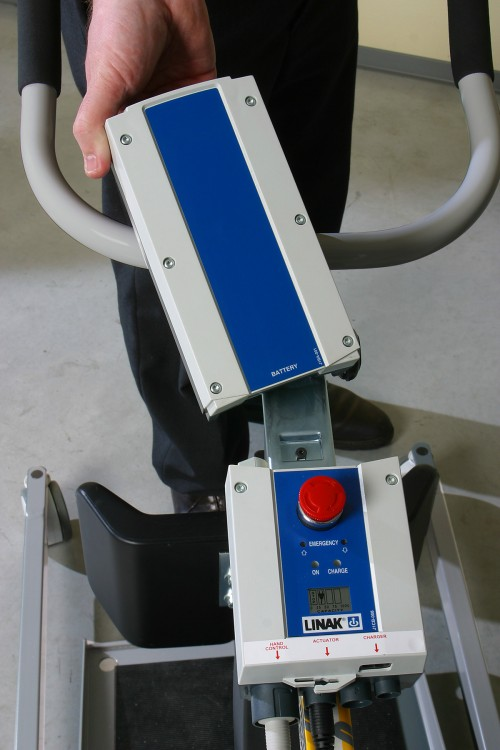 Handi-Move - Active hoist - Removable and exchangeable battery holder with charger - Active hoist