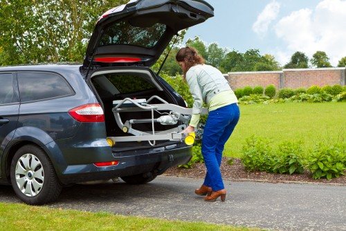 Handi-Move - On holiday - On holiday by car thanks to the foldable mobile hoist - Foldable mobile hoist